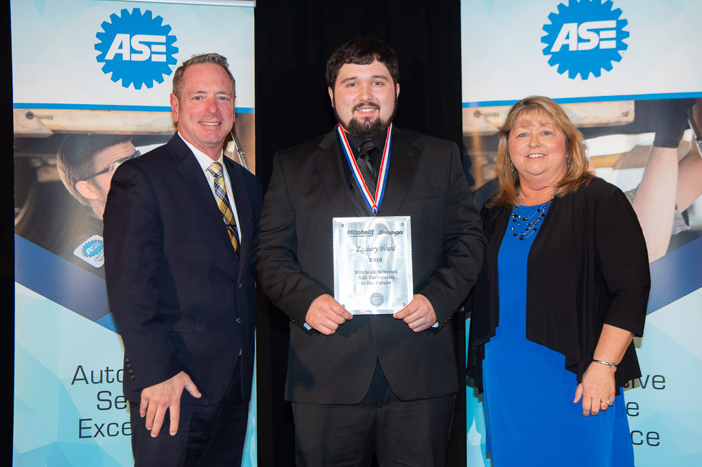Mitchell 1 and ASE Present 2019 Technician of the Future Award
