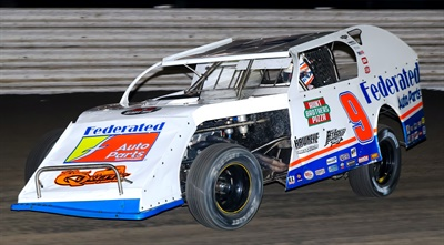 """As part of the sponsorship, Schrader will conduct """"Get Dirty with Kenny"""" racing experiences for Federated members and their Car Care customers at dirt tracks across the country."""