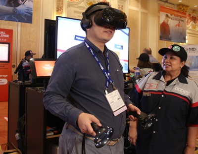 Attendees will compete for the best time during the Virtual Vehicle Challenge at AAPEX 2019 in Las Vegas.