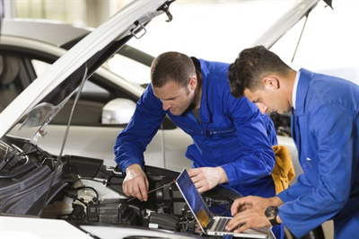 The Service Professionals General Session at AAPEX in Las Vegas will focus on building rewarding careers for auto technicians.