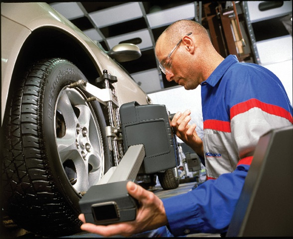 No matter what repairs are needed after a customer hits a pothole, ACDelco says technicians should complete the job with an alignment.