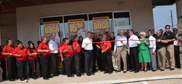 The ribbon-cutting ceremony for Advance Auto Parts' first store in the Dallas market took place on July 22, 2014.
