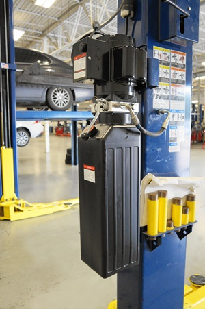 Allpart Supply's power units are for two- and four-post auto lifts.