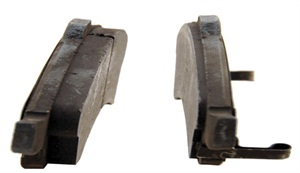 Uneven pad wear, where the pads on the same axle show different rates of wear, indicate a sticking caliper, where the caliper is not able to respond and return properly, causing one pad to wear more quickly. Pad wear should be viewed as a diagnostic element. Instead of blaming the pads, look for the cause of the uneven wear.