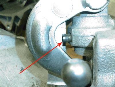 Example of roll pin back-out.