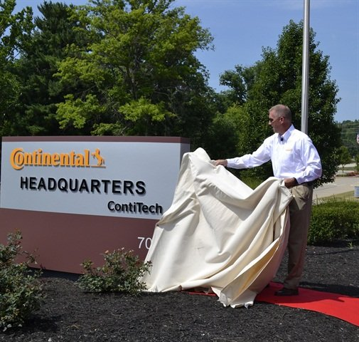 ContiTech's new North American headquarters now bears its proper name. NAFTA CEO Jim Hill unveiled the new sign during an employee event.