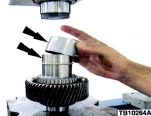 Figure 3. Place the Speedi-Sleeve press tool over the Speedi-Sleeve and press down until the tool bottoms out on the spacers and journal.
