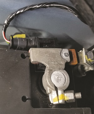 Figure 6: A battery current sensor acts like an amp clamp, connected to the battery negative terminal, sending a signal directly to the BCM.