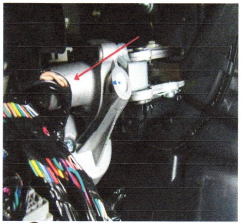 The DLC wiring harness may rub on the adjustable pedal motor. Inspect for rubbing/shorts.
