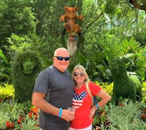 Auto Value customers of The Parts House posed for a picture at Disney World. The guests were on the Orlando Experience trip, hosted by Auto Value and Bumper to Bumper. (Photo courtesy of Terri Wedl)