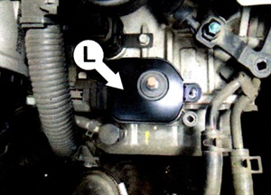 Install the new inhibitor switch bracket to the inhibitor switch (L).