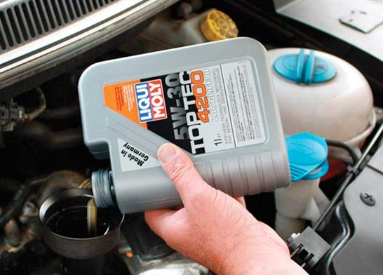 European car makers have a variety of special oil requirements, so be sure to reference the specification in the service manual or owner's manual to verify the use of the correct oil.