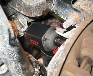 We tried out the wrench during the replacement of a right rear wheel bearing on a Pontiac Torrent, which has miserable access to the inboard mounting bolts. The M7 wrench was the only pneumatic gun we had in the shop that would fit into the tight space.