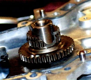 Use of a power tool can easily break the crank sprocket.
