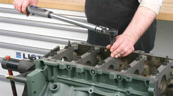 Use of a digital torque/angle wrench not only speeds work but provides  increased accuracy, allowing the use of the same tool for both torque  and additional angle tightening.