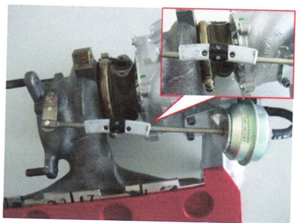 Figure 1. Due to pulsations of the exhaust gas, the wastegate flap and actuator rod tend to vibrate during turbo boost pressure.