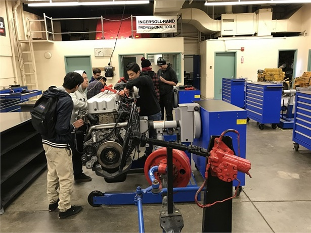 Twin Rivers USD and American River College will soon offer an electric school bus maintenance class. Shown here is a clean diesel and CNG training at Highlands High School last year.