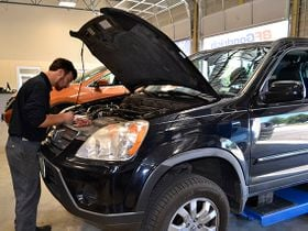 How to Help Your Customers Pay for Their Auto Repairs