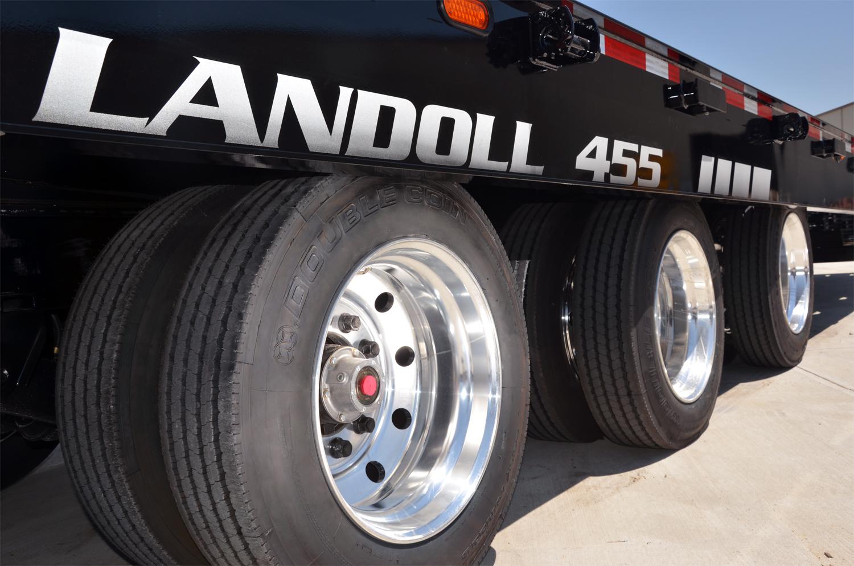 Double Coin supplies trailer tires to Landoll