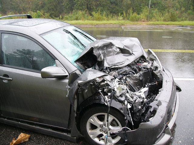 Study: Total cost of auto crashes topped $800 billion