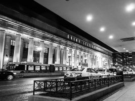 Chicago Union Station at night - Photo: Andrew Seaman - 2014 - Flickr