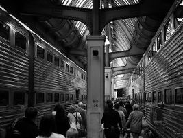 Between trains at Chicago Union Station- Photo: axle drainville - 2009 - Flickr