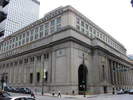 Chicago Union Station exterior corner - Photo: Matt Clare - 2006 - Flickr