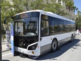 Alliance Bus showcased the Vicinity bus, whihc is available in 27.5-, 30.-, and 35-foot models.