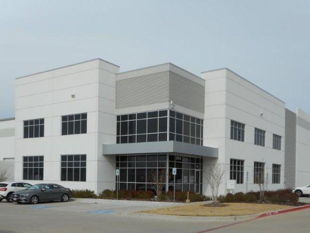 Daimler opens new parts distribution center