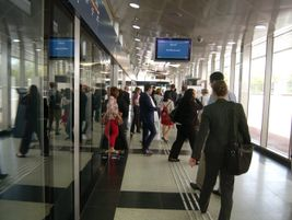 Passengers entering station from tram. Photo: METRO Magazine/J.Starcic