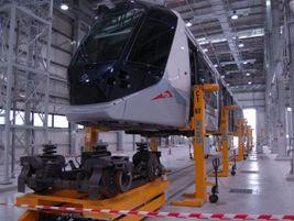 Dubai tram on lifts. Photo: METRO Magazine/J.Starcic