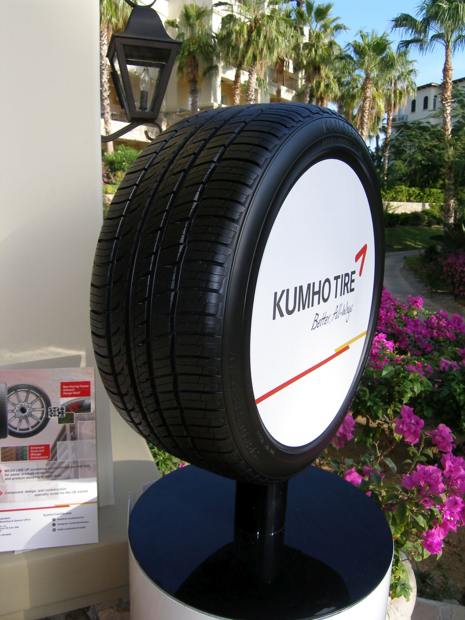 Kumho Will Release New Tires and Boost Sports Marketing in 2018
