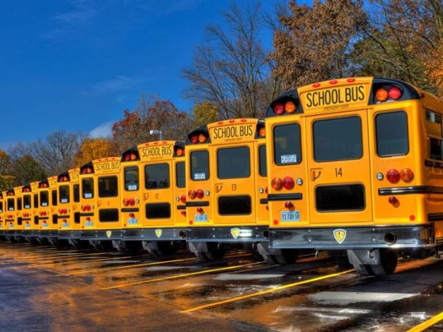 Report Points to Growth in School Bus Contracting