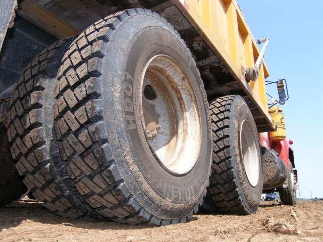 Continental debuts two construction tires