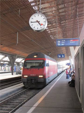 Mich Clock Co Unveils Swiss Railway Clocks At Expo
