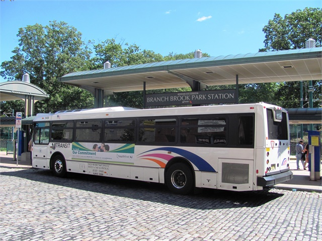 Bill Forces Nj Transit To Notify Riders Of Bus Rail