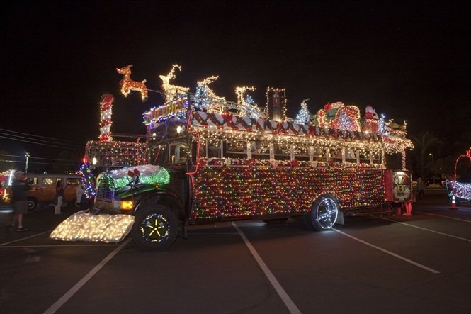 Photos buses drivers get festive for holidays