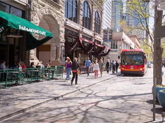 The mall shuttle provides a link between Denver Union Station and Civic Center Station and is a travel option for those who work and live in the Denver downtown area.