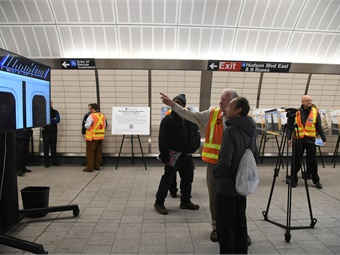 In December 2017, New York City Transit presented prototypes of the new R211 designs at 34 Street -Hudson Yards to seek customer feedback. Photo: MTA New York City Transit / Marc A.Hermann