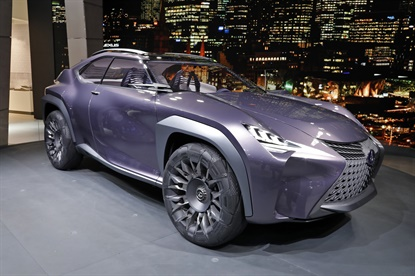 At the Paris Motor Show Lexus unveiled its Lexus UX concept car, fitted with Goodyear Urban Crossover concept tires.
