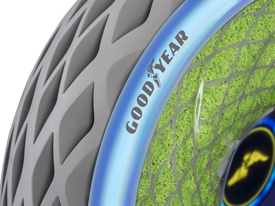 With an open sidewall, the Oxygene is designed with live moss that can absorb water from the road, prompt photosynthesis and thus release oxygen into the air.