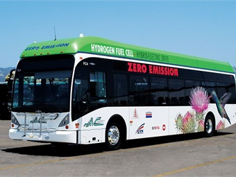 AC Transit is demonstrating 13 advanced-design fuel cell electric buses and two hydrogen fueling stations. Photo by Leslie Eudy, NREL