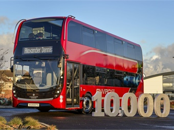 The milestone number of 10,000 two-axle, low-floor double-deck buses not only includes the current and previous Enviro400 models but also their trendsetting predecessor, which brought low-floor technology to the mainstream of UK bus operation.