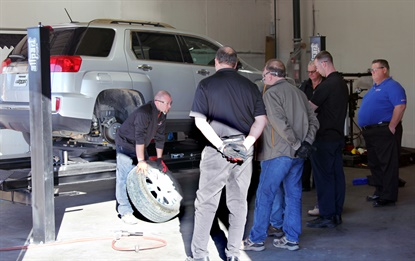 Jason Marshall of TIA leads a Certified ATS Advanced Instructor Training session at the Allpart training center in Arlington, Texas.
