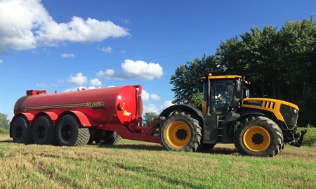 Nuhn Industries has chosen Alliance's 393 Agri-Transport flotation radial 35.5R32 for its newest model manure spreaders.