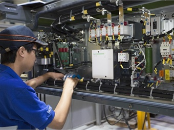 Alstom has supplied traction systems for 750 metro cars of Chengdu metro line 3 and 4 via its JV SATEE. Alstom/Jean Gerard