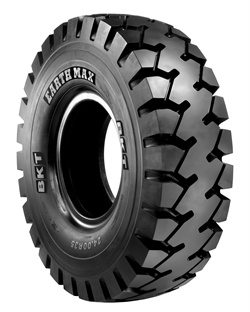 The Earthmax SR 47 for rigid dumpers has an E4-class tread pattern.