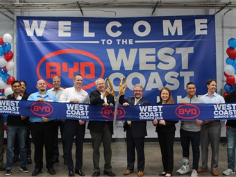 BYD and local officials celebrated the opening of the new service center in San Carlos, California.