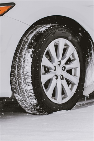 Designed for sedans and minivans, the Blizzak WS90 tire features the latest advances in Bridgestone winter tire technology to give drivers confident handling and control in challenging winter conditions.