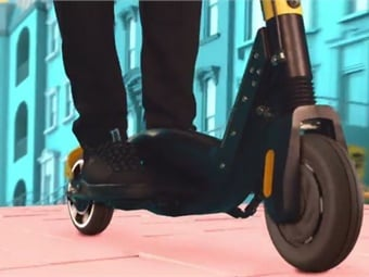 Bolt Mobility launched a personal electric scooters featuring swappable batteries and a pre-trip braking preview. Screenshot: Bolt Mobility